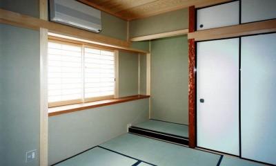 オープンテラスがある週末邸宅:コンクリート構造の住宅設計 (客室)