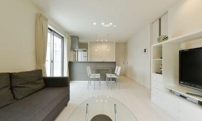 2階のリビング・ダイニング|奥様の実家を増築して二世帯住宅にリフォーム。LDを広げて開放感あふれる空間に。
