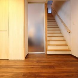 「バリアフリー」と「心地よさ」をかなえた シニア向けリフォーム:コンクリート住宅のリノベーション (内部廊下)