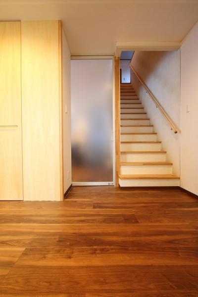 内部廊下 (「バリアフリー」と「心地よさ」をかなえた シニア向けリフォーム:コンクリート住宅のリノベーション)