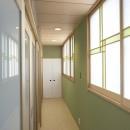 平屋に住まう:夫婦二人に ちょうどいいシンプルな住まいの写真 廊下