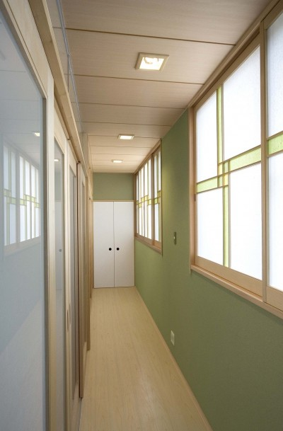廊下 (平屋に住まう:夫婦二人に ちょうどいいシンプルな住まい)