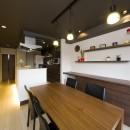 多くの制約をクリアし、ダイニングバー風の憧れの空間を実現の写真 奥様お気に入りのオープンキッチン