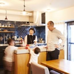 menue-思い出の家具を中心に、家族団らんを楽しめる住まいを (キッチン)