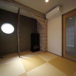 和室は縮小し、黄金色の目積畳を敷いて一新。 (二世帯住宅を単世帯へ。明るく暖かいLDをはじめ、1階を中心にした快適な住まい。)