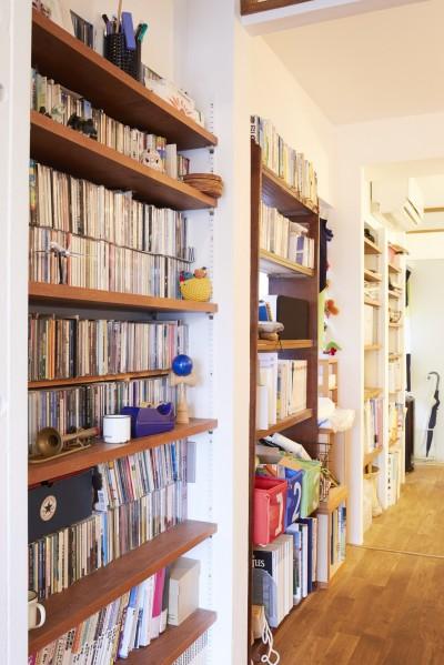 廊下 (menue-思い出の家具を中心に、家族団らんを楽しめる住まいを)