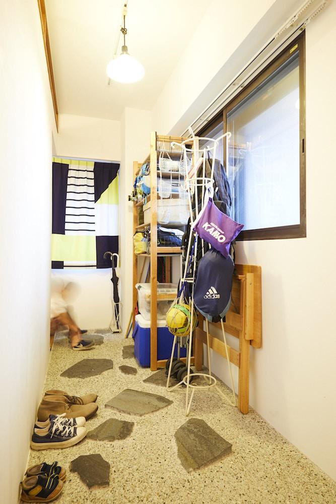 menue-思い出の家具を中心に、家族団らんを楽しめる住まいを (玄関)