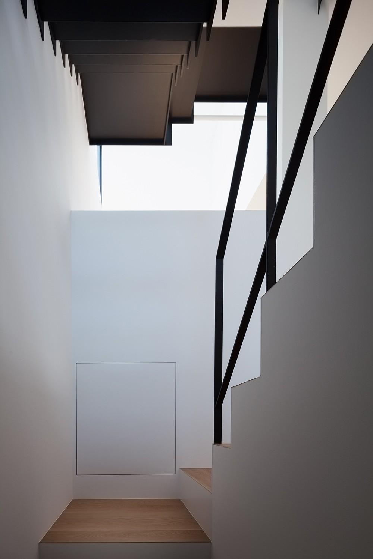 リビングダイニング事例:階段(東玉川の住宅)