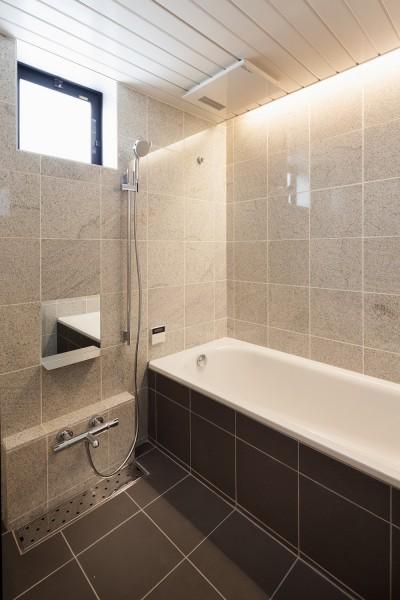 浴室 (東玉川の住宅)