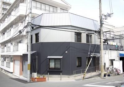 外観 (ホームエレベーターがあるバリアフリー住宅|遮音・防音構造の住宅(ガレージハウス))