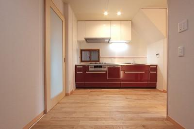 キッチン-2 (ホームエレベーターがあるバリアフリー住宅|遮音・防音構造の住宅(ガレージハウス))