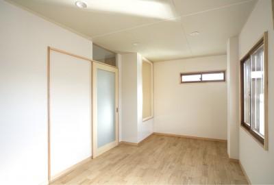 洋室(執務室・趣味の部屋) (ホームエレベーターがあるバリアフリー住宅|遮音・防音構造の住宅(ガレージハウス))