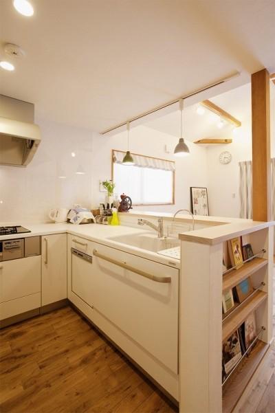 キッチン (2世帯の集う場を手に入れた2階リビング)