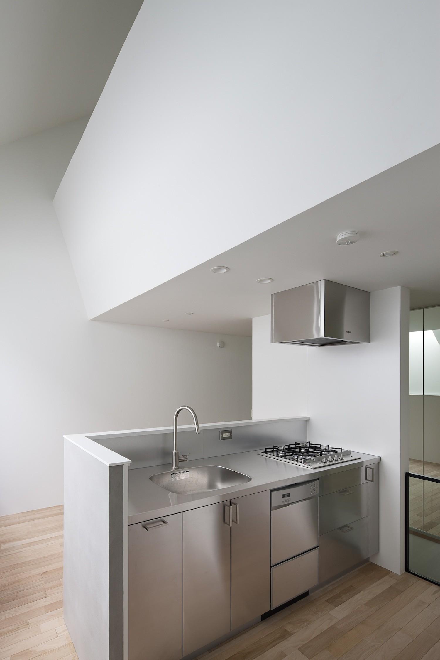 キッチン事例:ステンレスキッチン(さいたまの旗竿敷地の家 OUCHI-21)