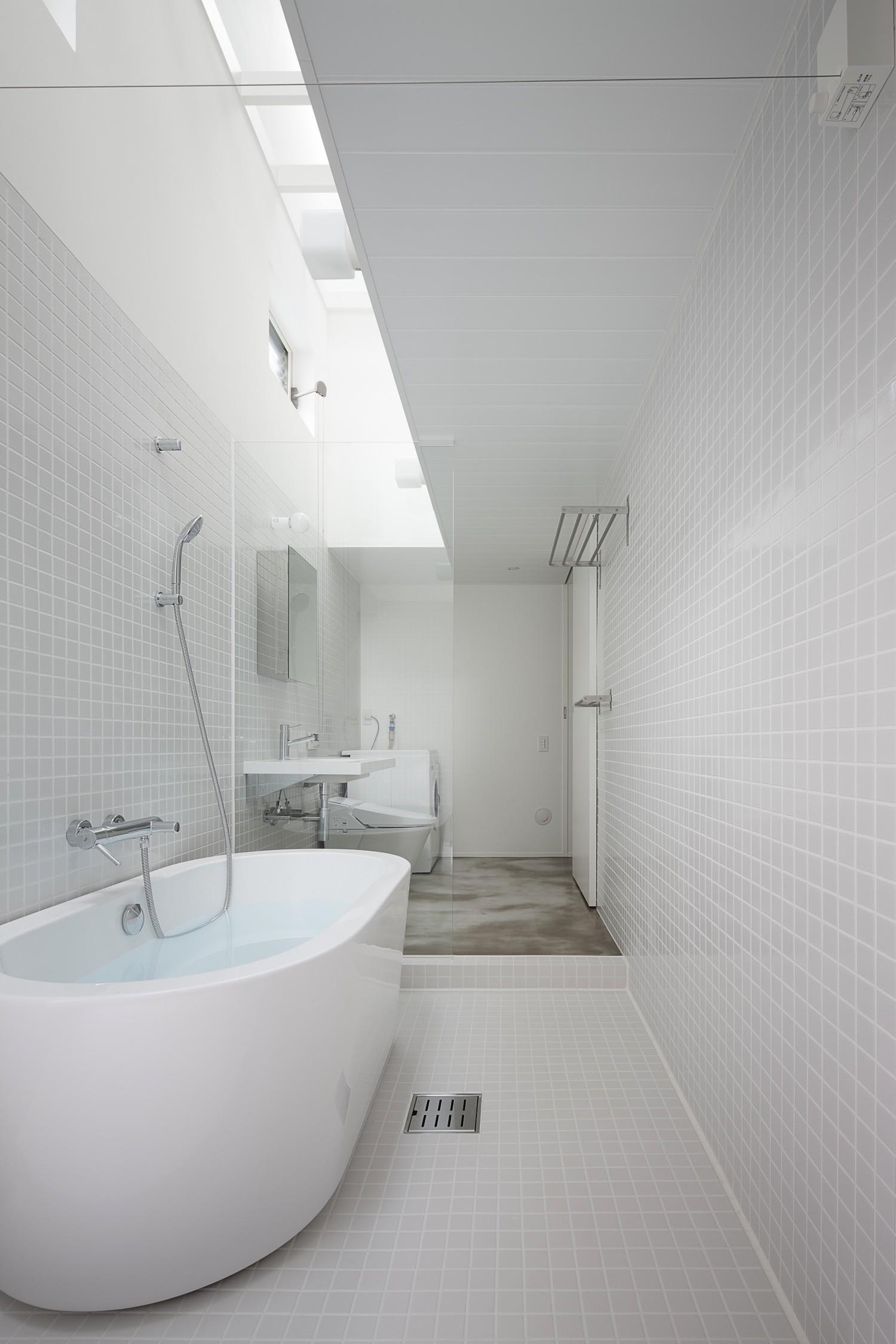 バス/トイレ事例:ワンルーム式のサニタリー(さいたまの旗竿敷地の家 OUCHI-21)