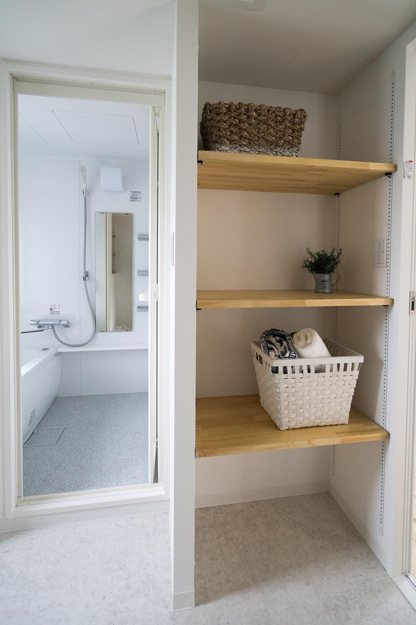 バス/トイレ事例:洗面所(リノベーション リビングと繋がる部屋)