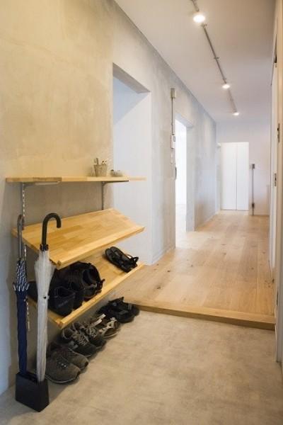 廊下 (リノベーション 素朴さが自然と融合した空間)