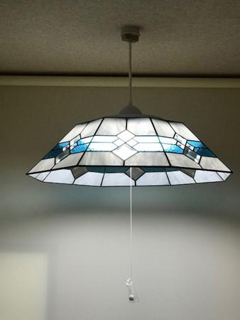 リビングダイニング事例:8面体ステンドグラス照明(8畳用ステンドグラス照明)
