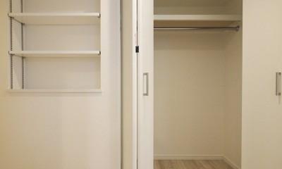 移動がラクな家事動線 (廊下収納)