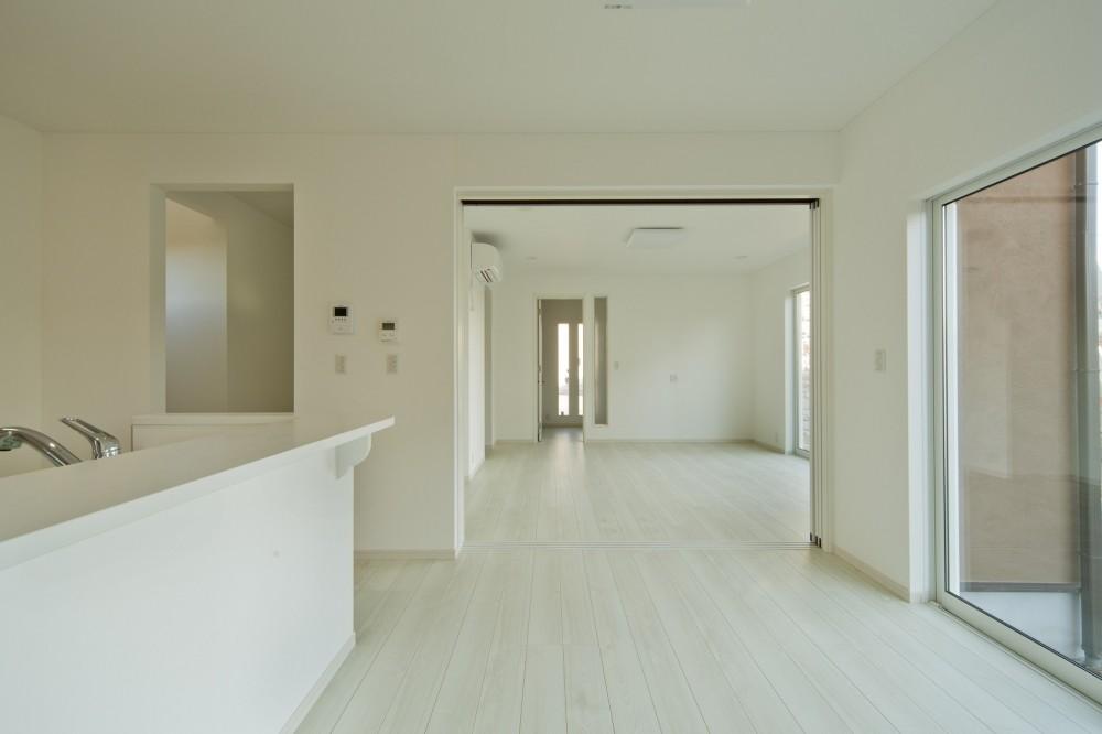 ラ・フィエスタ  「地中海の陽光に照らし出された家」 (ダイニングルーム)