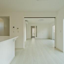 ラ・フィエスタ  「地中海の陽光に照らし出された家」