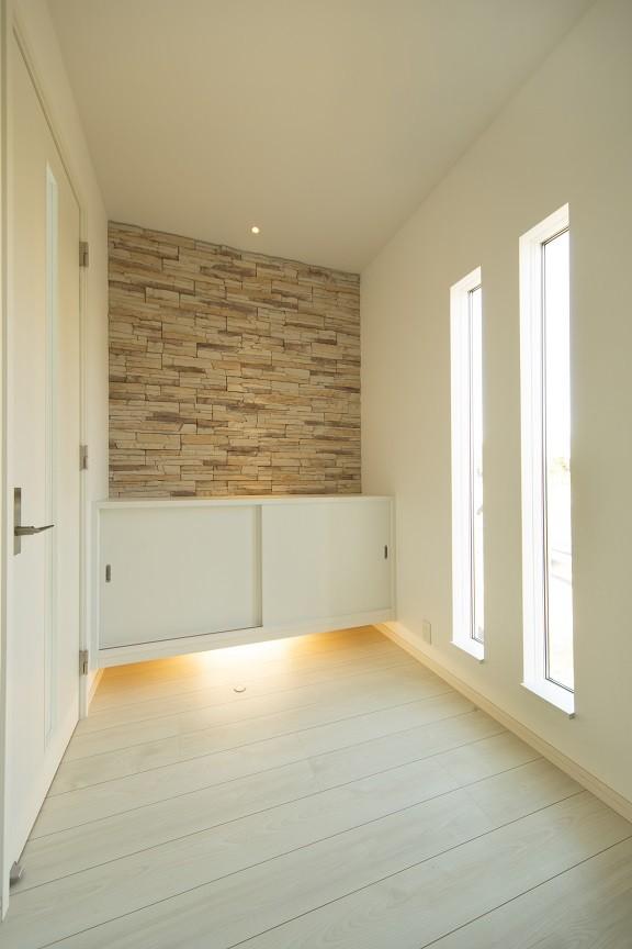 玄関事例:玄関ホール(ラ・フィエスタ  「地中海の陽光に照らし出された家」)