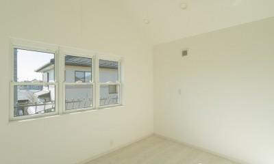 ラ・フィエスタ  「地中海の陽光に照らし出された家」 (2階ベッドルーム)