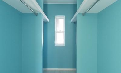 ラ・フィエスタ  「地中海の陽光に照らし出された家」 (ウォークインクローク)