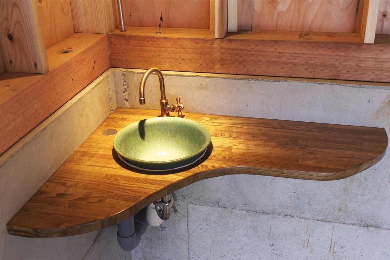その他事例:手造りローコスト手洗いカウンター(木造軸組み大スパンの家)