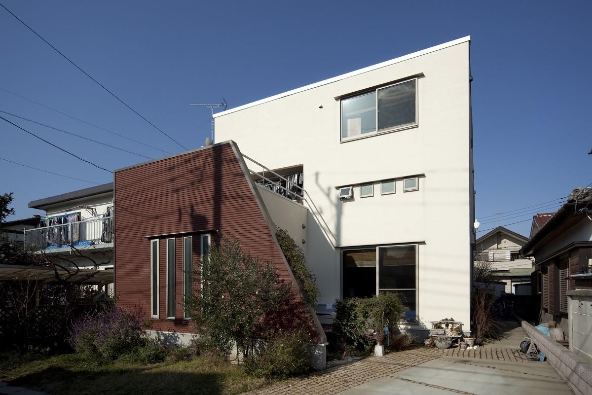 外観事例:南側外観(KOJ 「蔵のある家」)