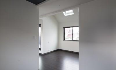 黒塗りの和モダン (2階和室)