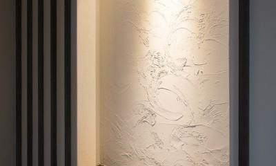 黒塗りの和モダン (塗り壁)