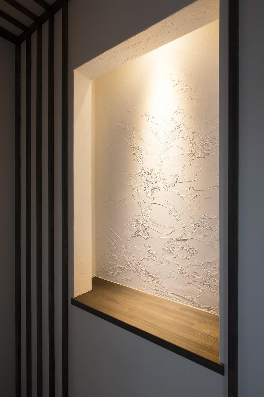 玄関事例:塗り壁(黒塗りの和モダン)