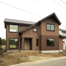 カンツリー倶楽部  「調整区域に建てた家」 (田んぼの方から見る)