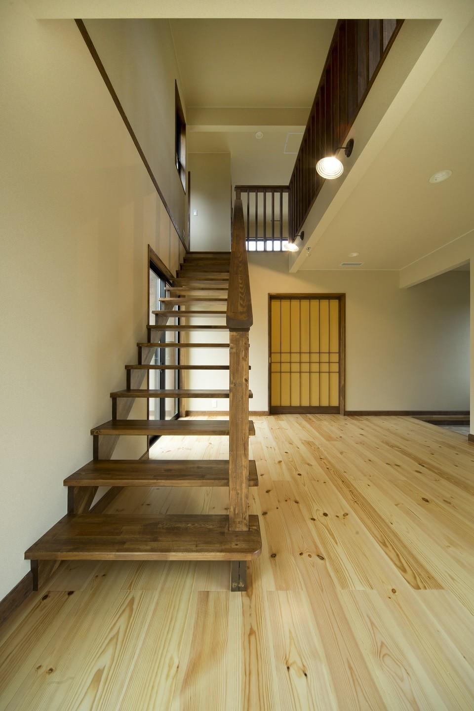 カンツリー倶楽部  「調整区域に建てた家」 (リビング階段)