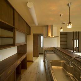 対面キッチン (カンツリー倶楽部  「調整区域に建てた家」)