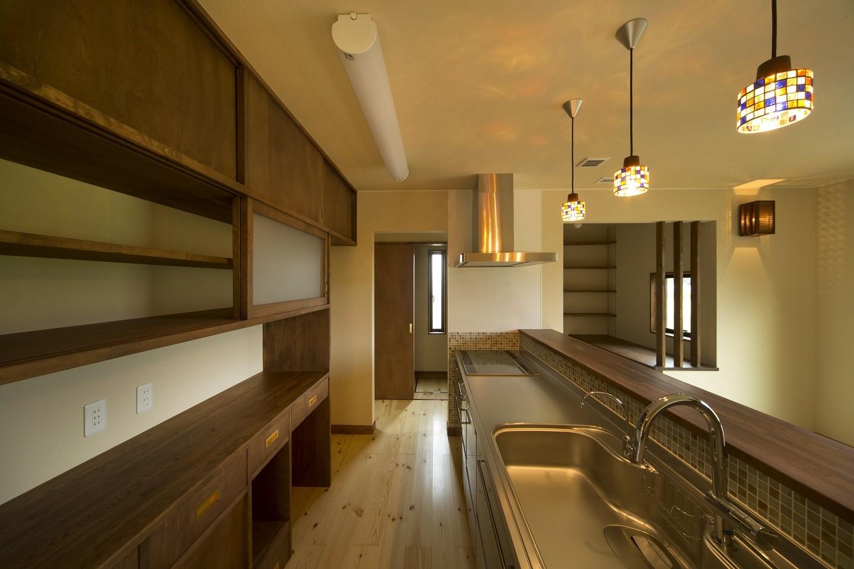 キッチン事例:対面キッチン(カンツリー倶楽部  「調整区域に建てた家」)