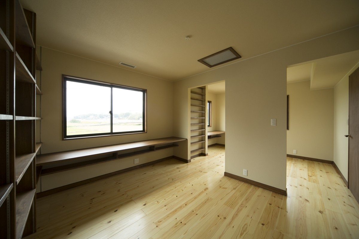 子供部屋事例:将来仕切ることができる2階ホール(カンツリー倶楽部  「調整区域に建てた家」)