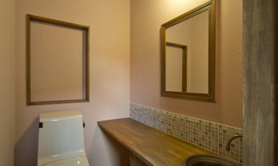 カンツリー倶楽部  「調整区域に建てた家」 (2階トイレ)