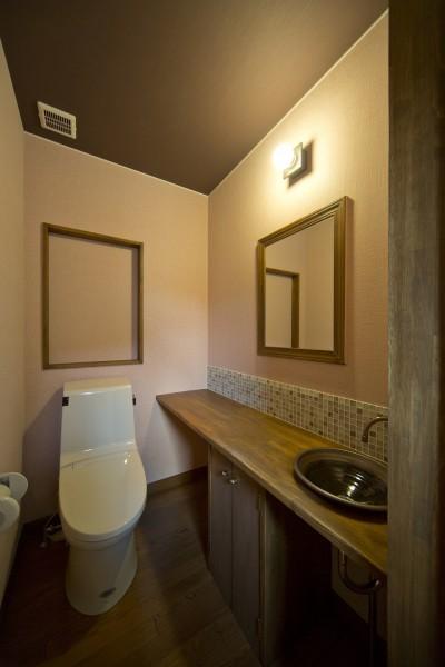 2階トイレ (カンツリー倶楽部  「調整区域に建てた家」)