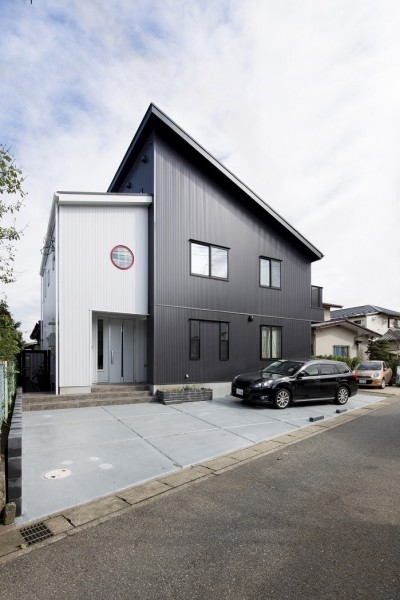 ツイン・シェイプス 「2世帯住宅」 (西側外観)