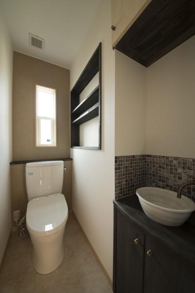 2階トイレ (ツイン・シェイプス 「2世帯住宅」)