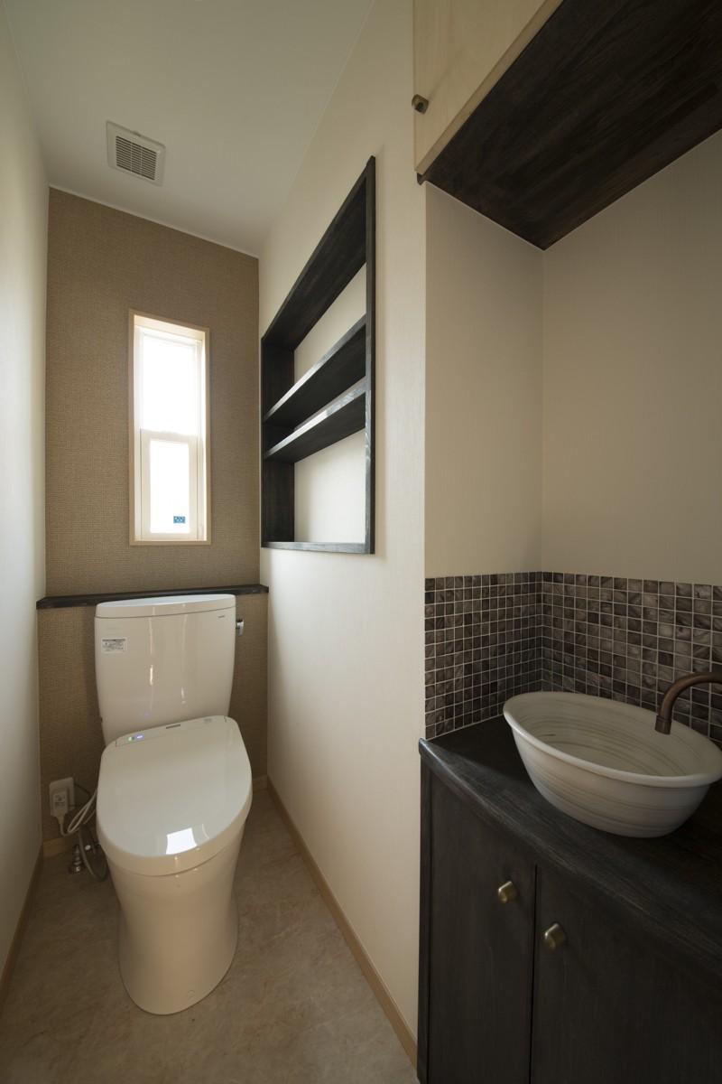 バス/トイレ事例:2階トイレ(ツイン・シェイプス 「2世帯住宅」)