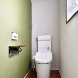家族とワンちゃんの楽しい暮らし (トイレ)