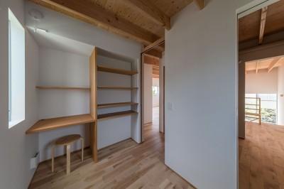 小さな子供部屋 (カドニワの家 ー内と外が緩やかにつながった「空間グラデーション」ー)