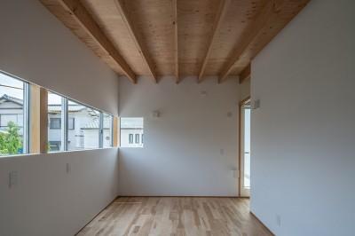 大きな子供部屋 (カドニワの家 ー内と外が緩やかにつながった「空間グラデーション」ー)