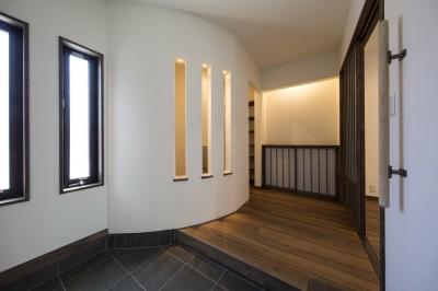 玄関ホール (ご両親のためのコートハウス 「平屋+α」)
