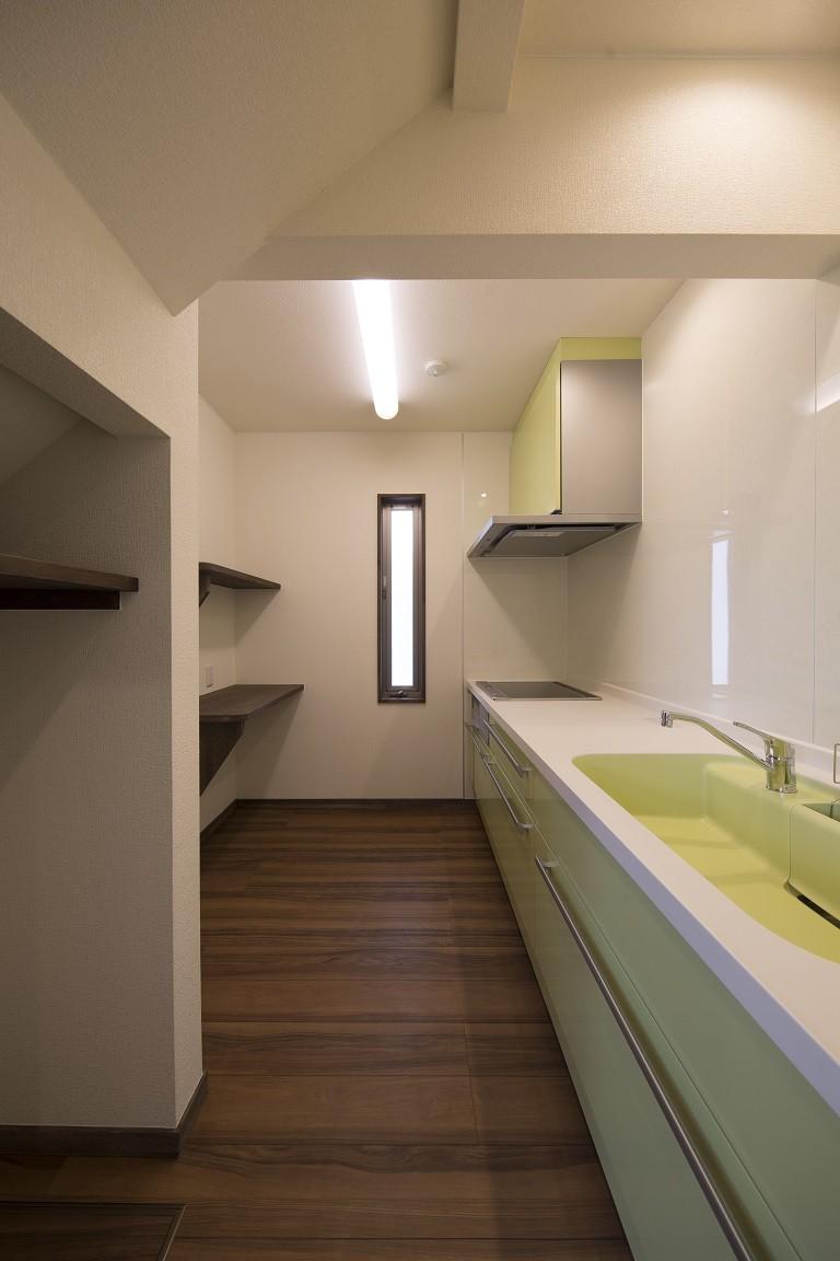 キッチン事例:キッチン(ご両親のためのコートハウス 「平屋+α」)