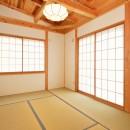 HUFUプラスワン/ローコストで建てる規格型の木の家の写真 リビングに面した和室