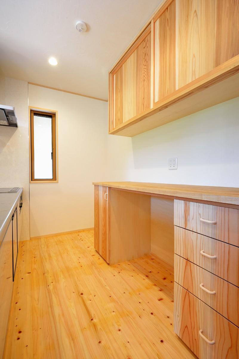 キッチン事例:キッチン(HUFUプラスワン/ローコストで建てる規格型の木の家)